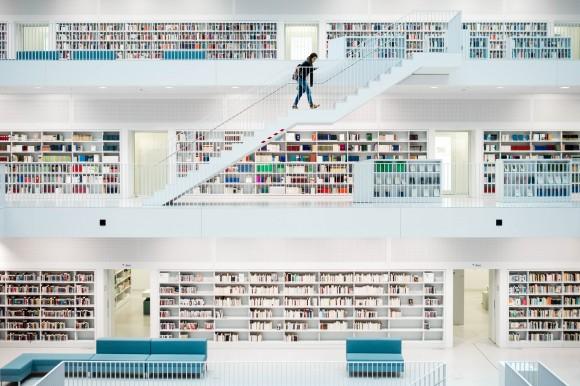 Stadtbibliothek  l  Library #7